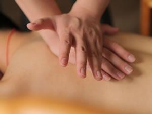 massage at Huatuo clinic